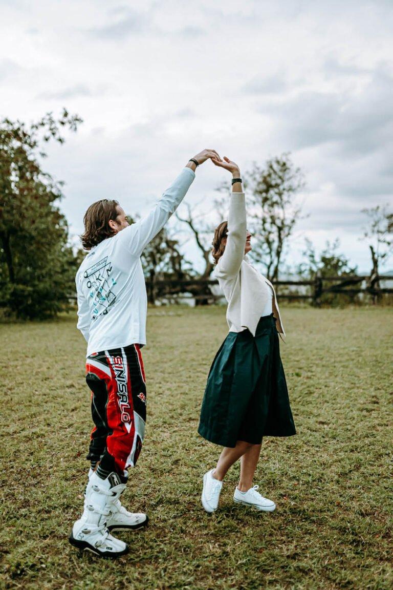 servizio fotografico fidanzamento di coppia colline di siena