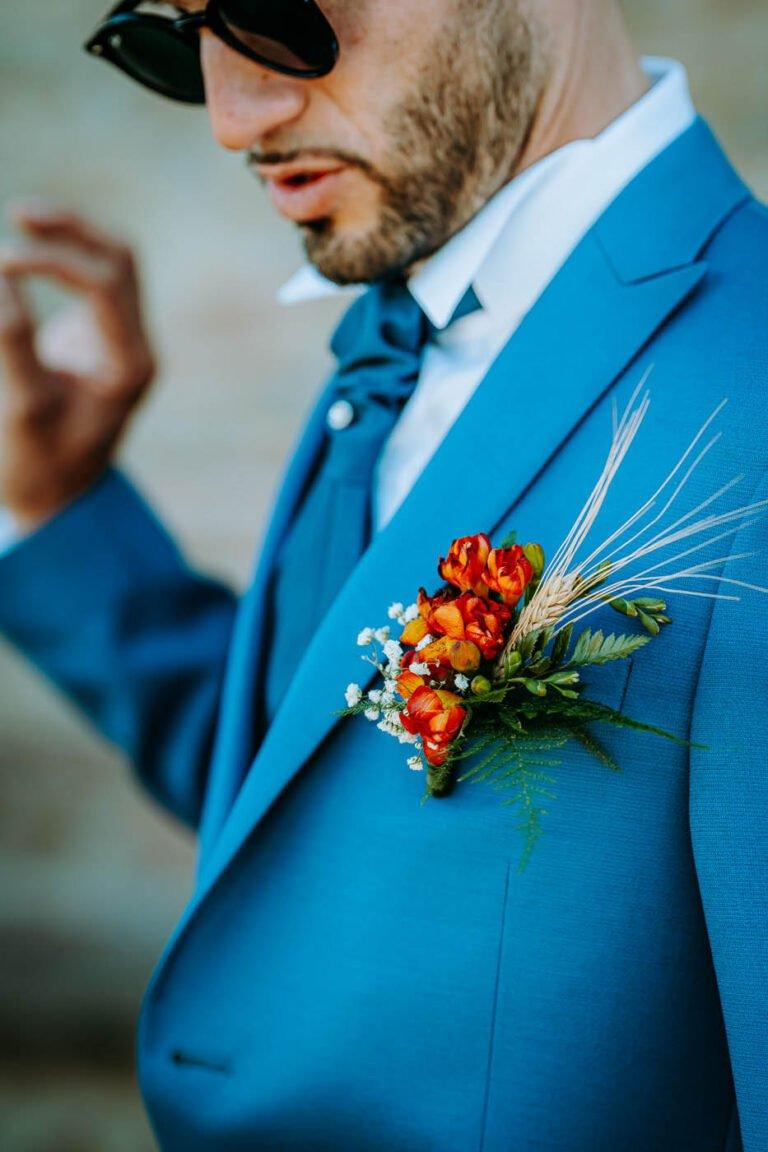 foto di ricevimento dopo cerimonia a pienza sposi con vestiti colore blu