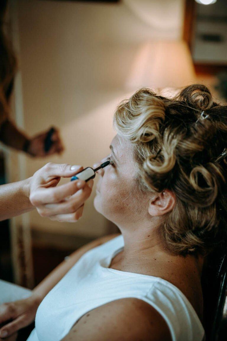 fotografie di preparativi di sposa per matrimonio in villa poggio bonelli