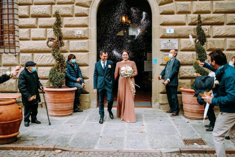 fotografie di matrimonio civile di sposi a greve in chianti in toscana